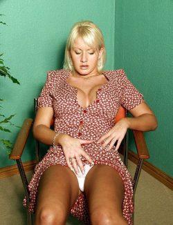 Блондинка пригласит к себе выносливого мужчину для изматывающего секса в Рязани